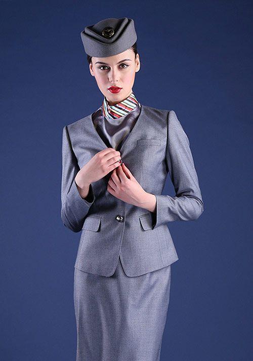 企业白领该如何选择自己的时尚职业装?